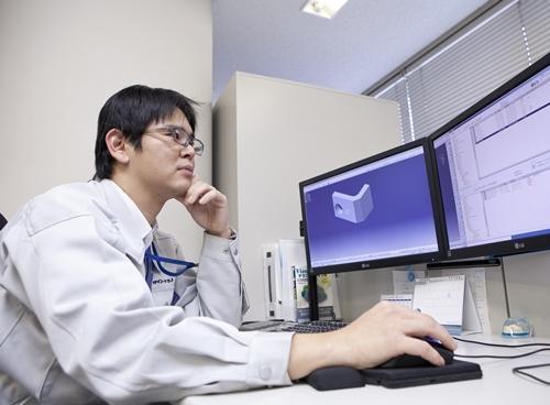 ベトナム人エンジニア仕事CAD
